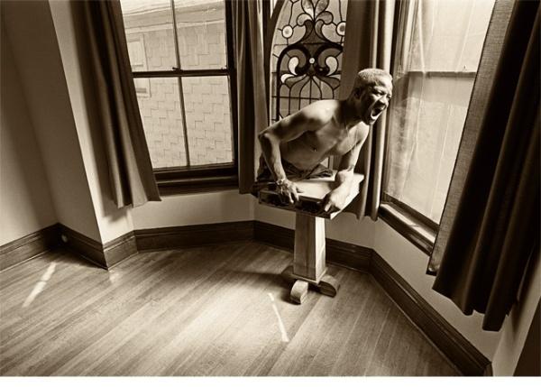 Human Being as a Piece of Sculpture Fiction - Leslie Krims