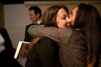 L'abbraccio di Susi. Foto di Tiziano Nobile