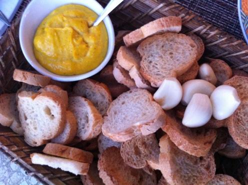 Crostini di pane con salsa rouille