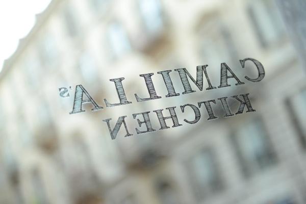 Logo su vetro