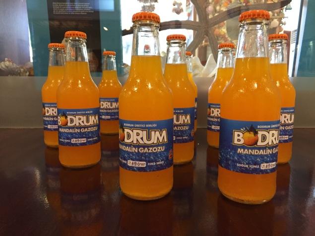 La bevanda al mandarino, tipica di Bodrum