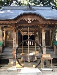 Il tempio scintoista all'interno del parco del Chuson-ji Temple, il parco